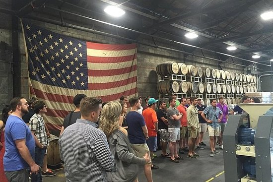Nashville-Whiskey-Distillery-Tour