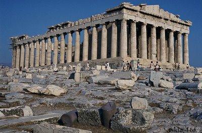 http://www.touristorama.com/assets/images/articles/kalitero_axiotheato_tis_europis_i_akropoli/acropoli.jpg