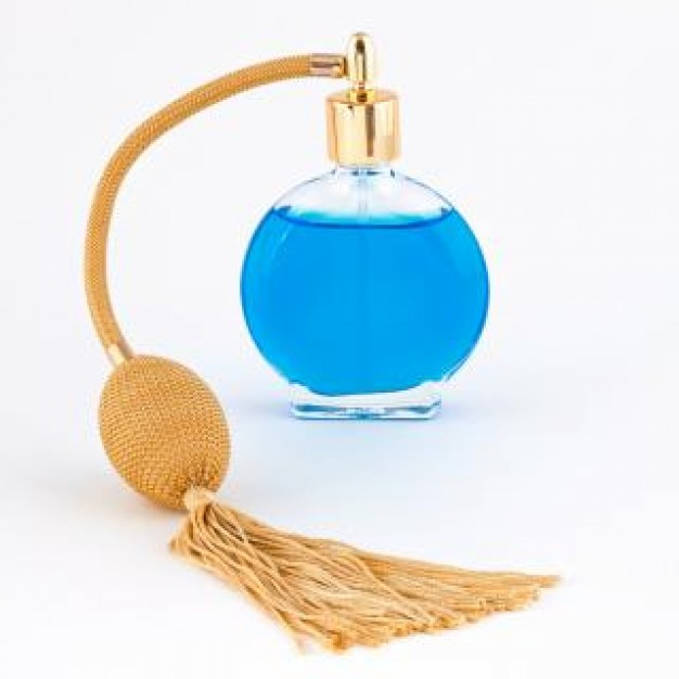http://static.freepik.com/free-photo/vintage-perfume-bottle--isolated_19-133918.jpg