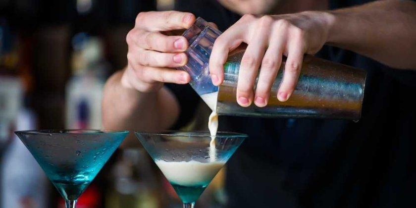 bartender-mixologist-1.jpg