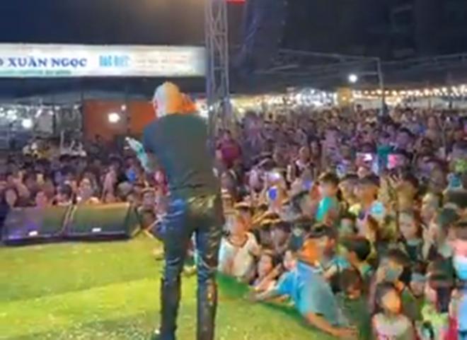 Quảng Trị: Chưa thống kê được người về từ Đà Nẵng, vẫn mở hội chợ nghìn người