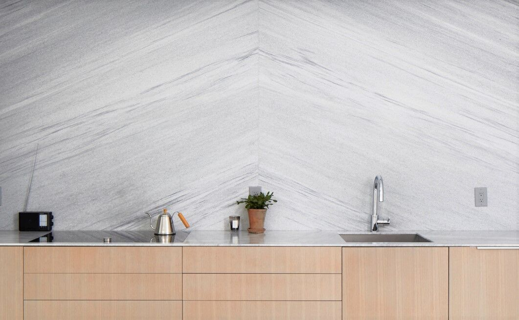 White-cherokee-american-marble-full-wall-backsplash-thin-stone-1-cm-slab