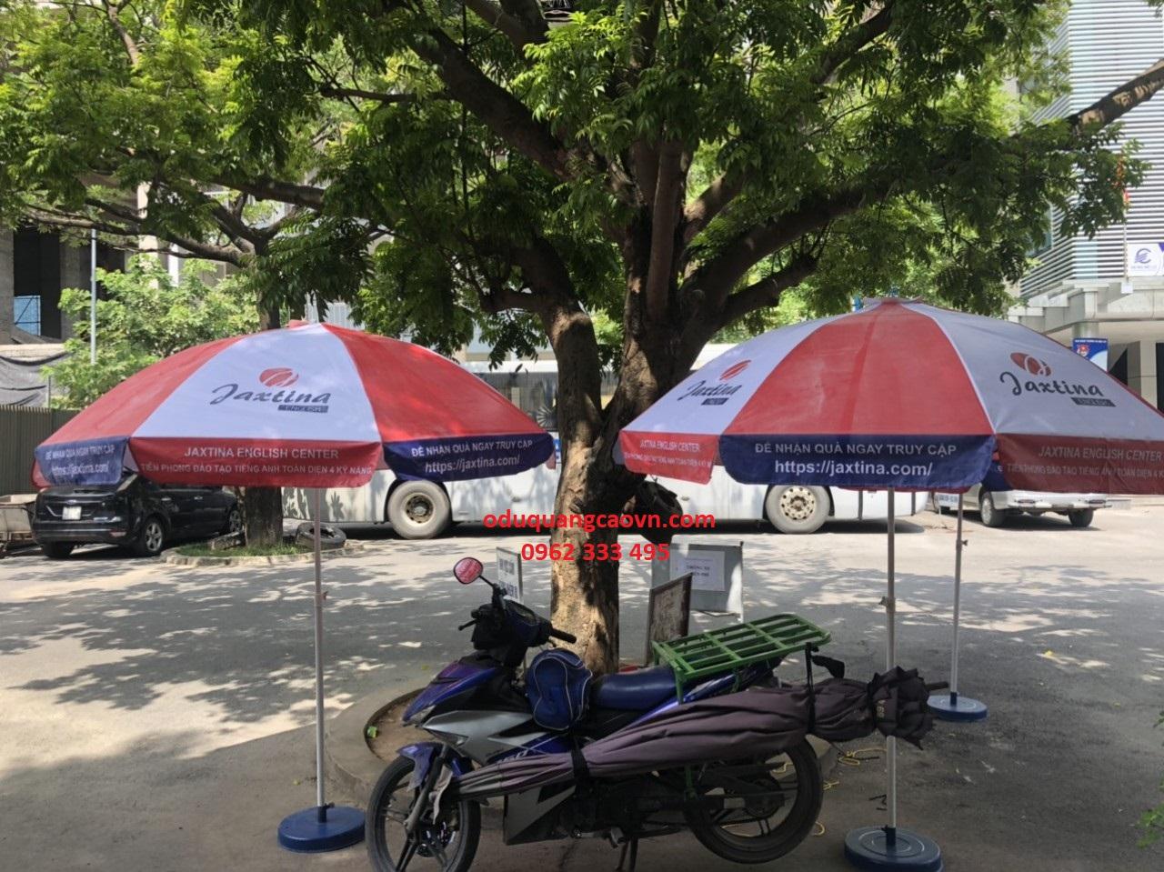 Những chiếc ô dù quảng cáo cho thương hiệu