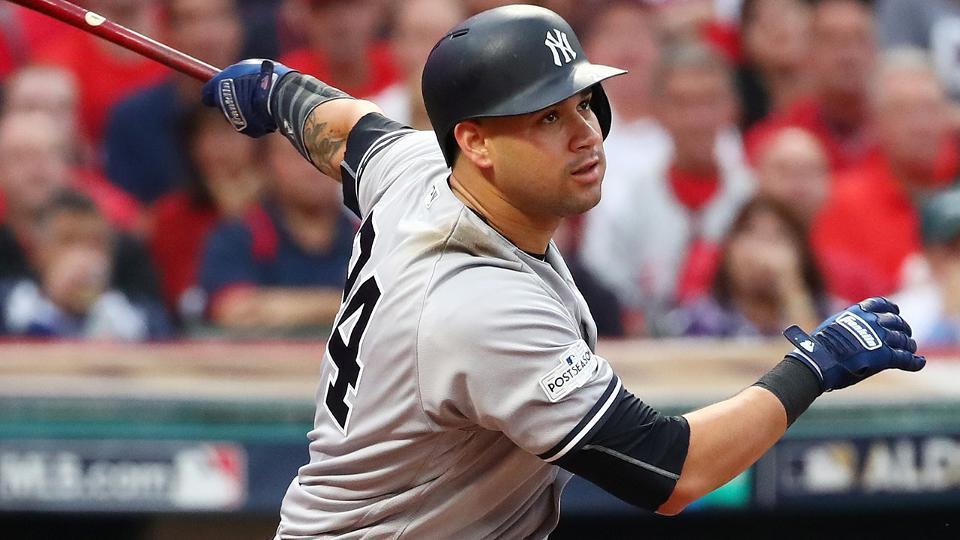 Imagen que contiene béisbol, persona, reproductor, bate  Descripción generada automáticamente