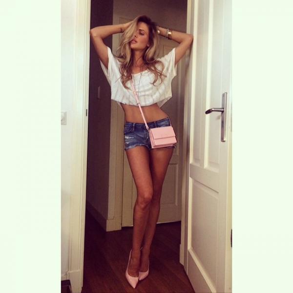 2016 Sports Illustrated Model Auditions Holland Honey Big Legs