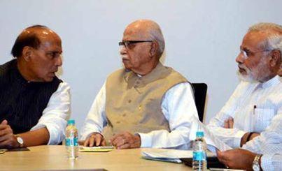 2014 में  संघपरिवार के लिए दिल्ही कितनी दूर?  भाजपा ने अपना पूरा ध्यान 6 राज्यों पर लगा दिया है। ये राज्य हैं-गुजरात, उत्तर प्रदेश, बिहार, मध्य प्रदेश, राजस्थान और महाराष्ट्र। इन सभी राज्यों में लोकसभा की कुल 248 सीट हैं। पार्टी की कोशिश है कि इनमें से कम से कम 137 सीट जीती जाएं। इनके अलावा दिल्ली की 7 में से 5 और छत्तीसगढ़ की 11 में से 9 लोकसभा सीटें जीतने का भी भरोसा पार्टी को है। इस तरह से बीजेपी अपने बूते पर ही 151 सीटें जीतने का हिसाब लगाए बैठी है.     01. 026 में से 020(11) गुजरात में....  02. 028 में से 015(--) कर्णाटक में...  03. 029 में से 020(--) मध्यप्रदेश में.  04. 025 में से 020(04) राजस्थान में..  05. 048 में से 025(--) महाराष्ट्र में...  06. 040 में से 017(12) बिहार में....  07. 080 में से 035(10) उतरप्रदेश में..  08. 011 में से 009(--) छतीसगढ़ में...  09. 007 में से 005(--) दिल्ही में.......  10. 005 में से 004(--) उतराखंड में....  11. 004 में से 003(--) हिमाचलप्रदेश.  12. 010 में से 004(--) हरियाणा......  ----------------------------------------------  - - - 313 में से 177(--) बाकि बची 230 में से 95 ही सिट चाहिए..    01. 026 में से 020(15) गुजरात में....  02. 029 में से 020(--) मध्यप्रदेश में.  03. 025 में से 020(04) राजस्थान में..  04. 048 में से 025(--) महाराष्ट्र में...  05. 040 में से 017(12) बिहार में....  06. 080 में से 035(10) उतरप्रदेश में..  -----------------------------------------------  - - - 248 में से 137 - भाजपा जितना चाहती है.    1. वास्तविकता क्या है?   गुजरात की ही बात करे तो गुजरात में 55% भाजपा और 45% कोंग्रेस की स्थिति राज्य में प्रवर्तमान है. इस स्थिति में भाजपा को 16 और कोंग्रेस को 12 सिट मिल सकती है. सिर्फ 1 ही सिट कम ज्यादा हो सकती है. गुजरात में 20 सिट की धारणा गलत है. 16 से ज्यादा सिट पाना मुश्किल है. यानि कि धारणा से 25% सिट कम मिलेगी.   अब 6 राज्यों में 137 में से 25% गलत धारणा को कम करे तो इन 6 राज्यों में भाजपा को 248 में से 105 से ज्यादा सिट मिलनी मुश्किल है.  2. यूपी में क्या होगा?  यूपी में 2009 में भाजपा को 10 सिट मिली थी ये क्या मुजफ्फरनगर के दंगे की वजह से बढ़कर 35 सिट कैसे हो जायेगी? क्या सपा और बसपा का यूपी में