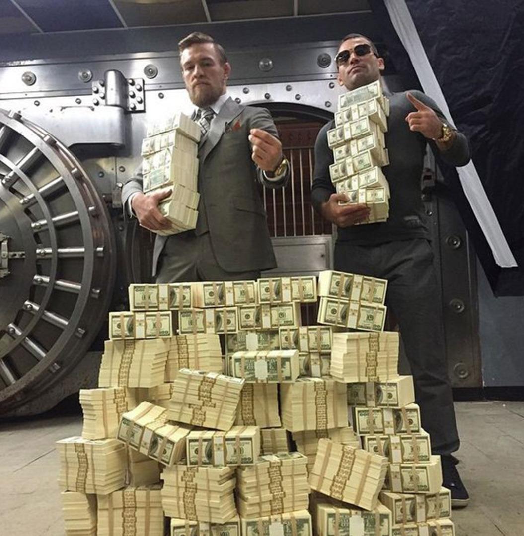 """คอเนอร์ แม็คเกรเกอร์ นักสู้เงินล้าน เจ้าของฉายา """"หมาบ้าไอริท"""" 2"""