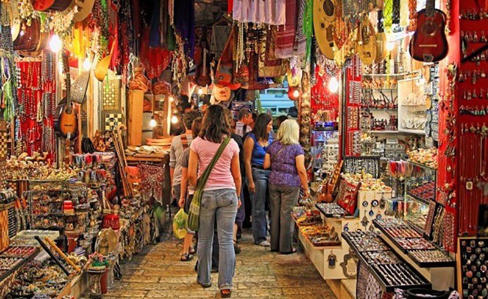 1) Go street shopping in Colaba and Bandra-.jpg