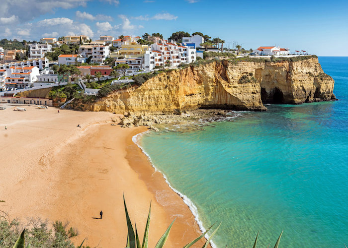 Driving the Algarve region beaches