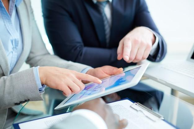 Cualidades Imprescindibles en una Base de Datos Ideal para Contratar
