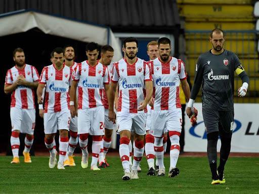 Crvena Zvezda đáng sợ với lối đá phòng ngự của mình