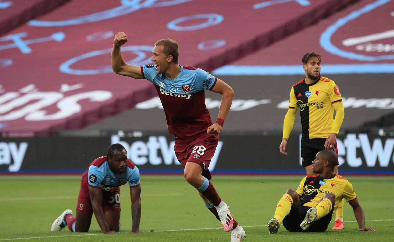 Tomáš Souček of West Ham celebrates after scoring against Watford - Photo by Adam Davy/Pool via Getty Images