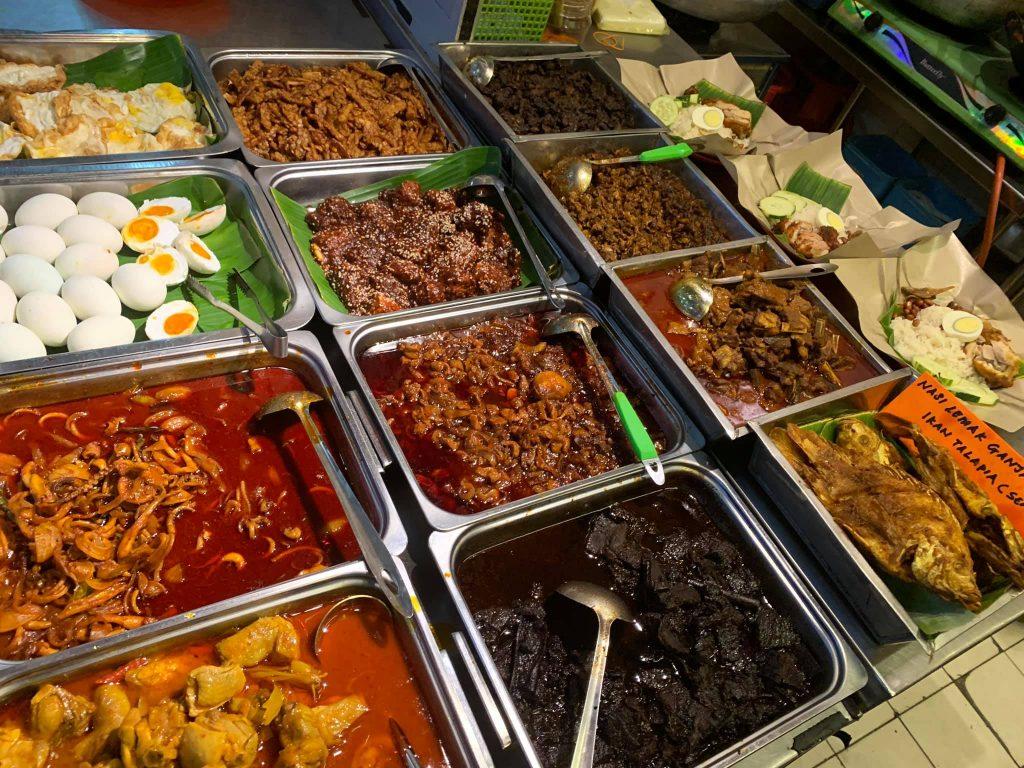 nasi lemak ganja makanan yang best di Bandaraya Kuching