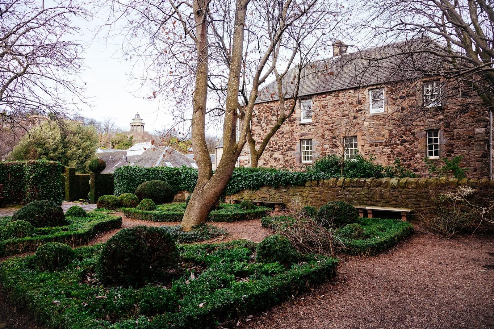 Dunbars Close Garden
