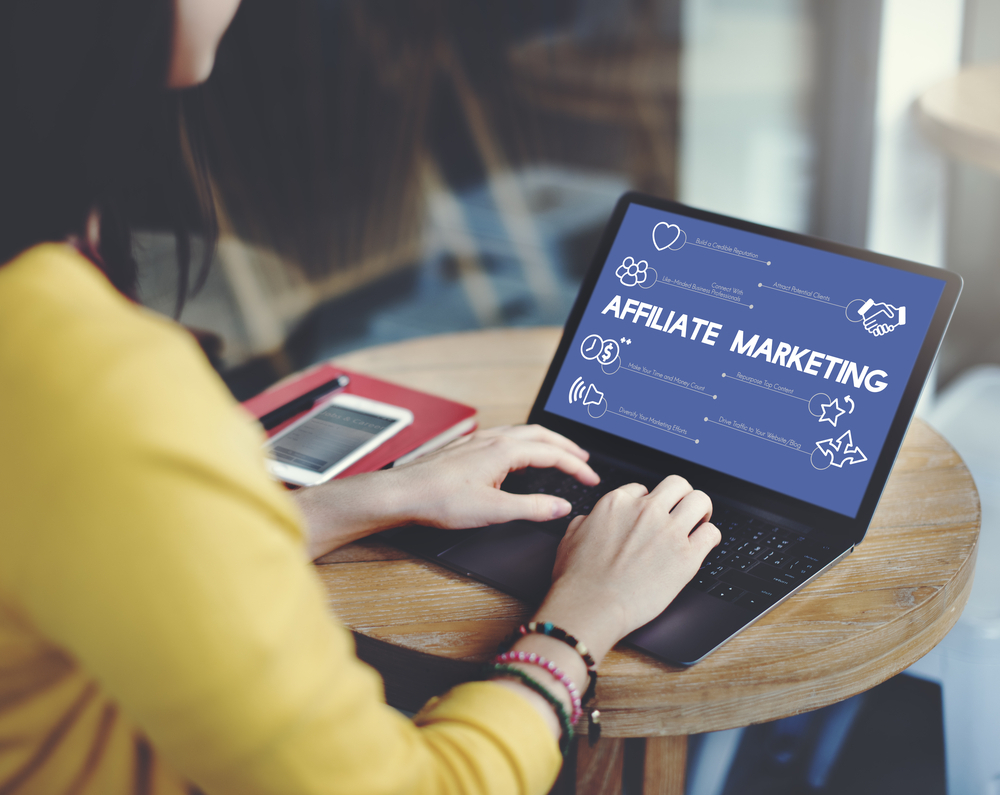 Learning doing affiliate marketing course