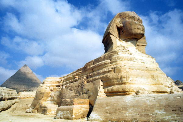 Image of The Great Sphinx of Giza, situated on the Giza Plateau adjacent to the Great Pyramids of Giza on the west bank of the Nile River. The date of its construction is uncertain, the head of the Great Sphinx now is believed to be that of the pharaoh Khafra. Khafra (also read as Khafre, Khefren and Chephren) was a pharaoh of 4th dynasty; 2570 BC, © Universal History Archive/UIG / Bridgeman Images