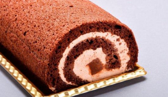 濃厚な口溶け!生チョコロールケーキ
