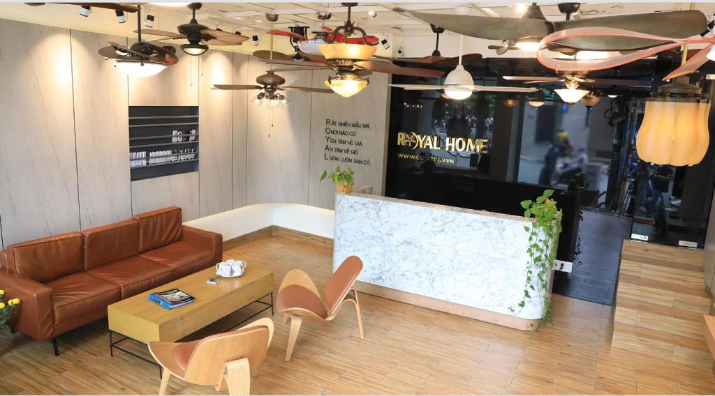 Hãy đến với hệ thống showroom Royal tại Hà Nội để tư vấn các mẫu quạt trần có đèn trang trí tuyệt đẹp