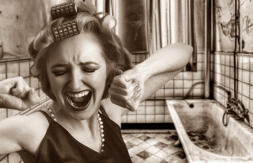 女性, 女の子, Curler, ヘアスタイル, 顔の表情, バスルーム, 古風呂, トイレ改修工事, 改修