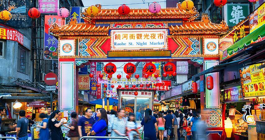 Rộn ràng tại các khu chợ đêm Đài Loan