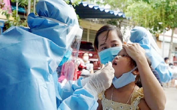 Hôm nay 12/10 Bắc Ninh: Một học sinh mầm non 5 tuổi dương tính Covid-19, lấy mẫu xét nghiệm nhanh cho 600 giáo viên và học sinh. 1