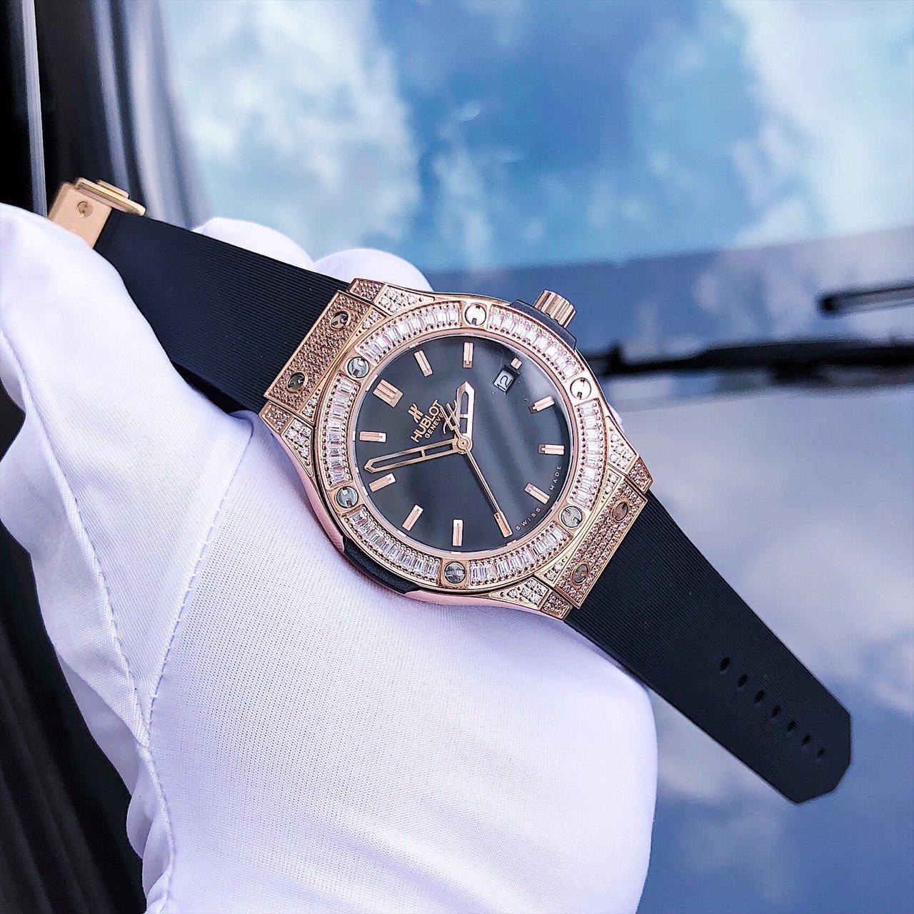 Đồng hồ phụ kiện thời trang đẹp mắt