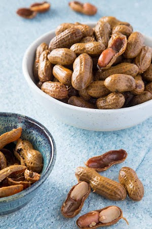 Can cats eat boiled peanuts
