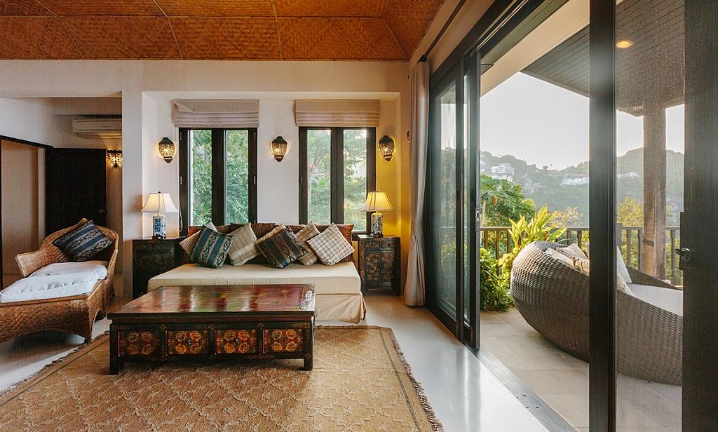 Inspirasi hunian bergaya tropical dengan menggunakan unsur alam sebagai elemen interior - source: algedra.com.tr
