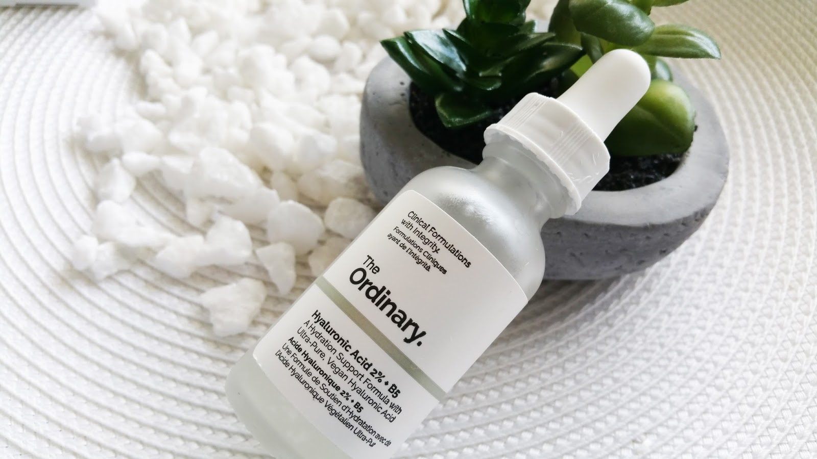 Sản phẩm được đánh giá là serum cấp ẩm cho da khô mang lại hiệu quả siêu đẳng đấy