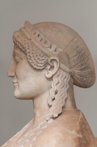 Персефона, Кора, Прозерпина - жена Аида, царица подземного мира.
