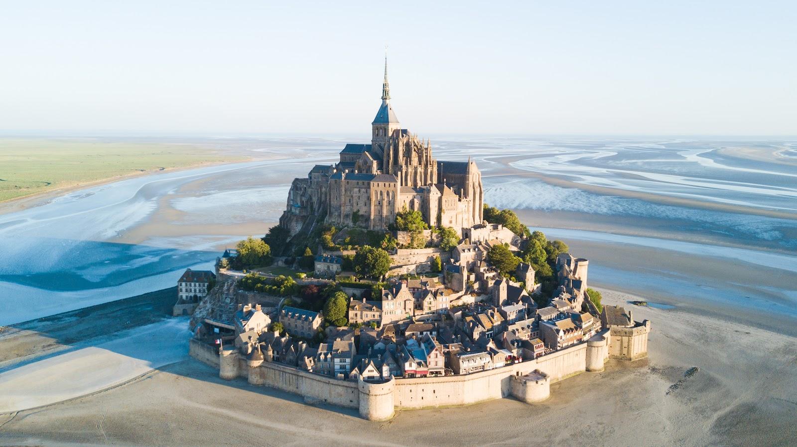 Mont Saint-Michel et sa baie