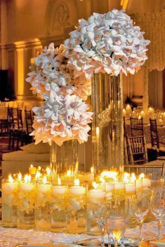 house decoration with huge flowers and candles