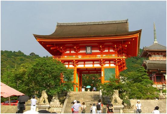 cổng vào đền kiyomizu