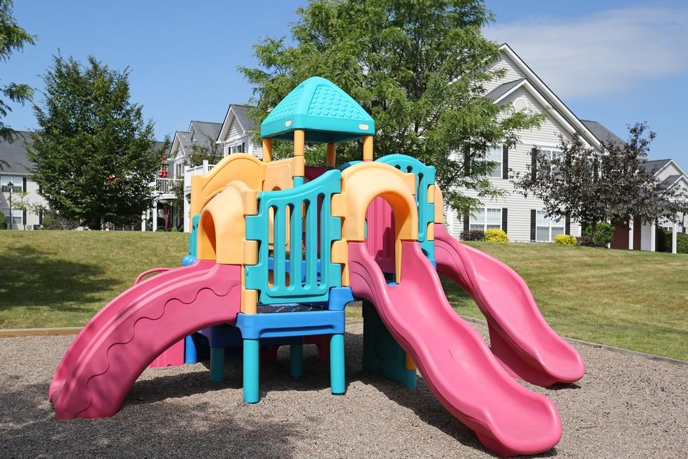 Playground Etiquette at Autumn Creek Apartments-image