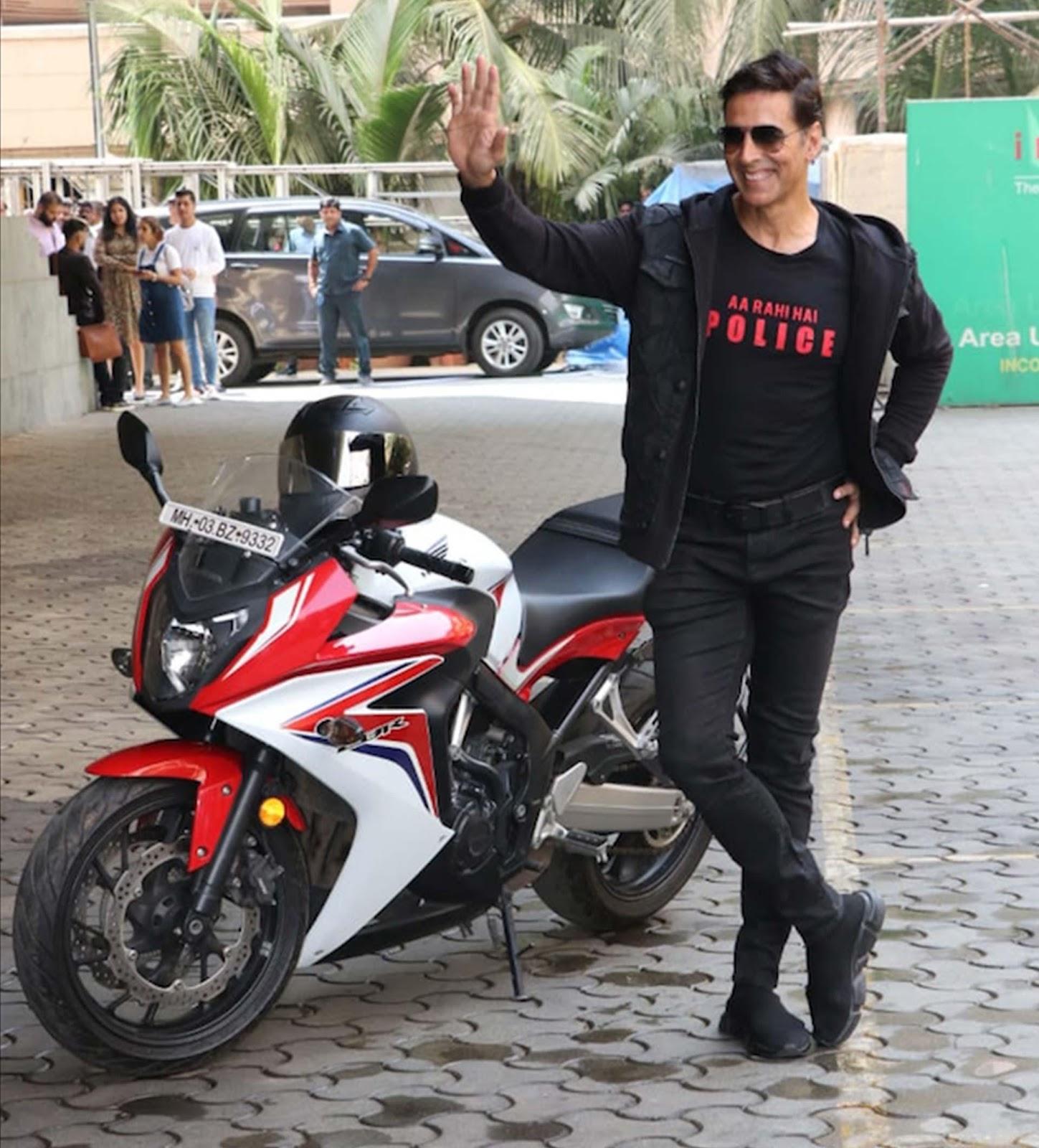 Akshay Kumar rolled into the Sooryavanshi trailer launch on this ₹8.56 lakh  bike | GQ India