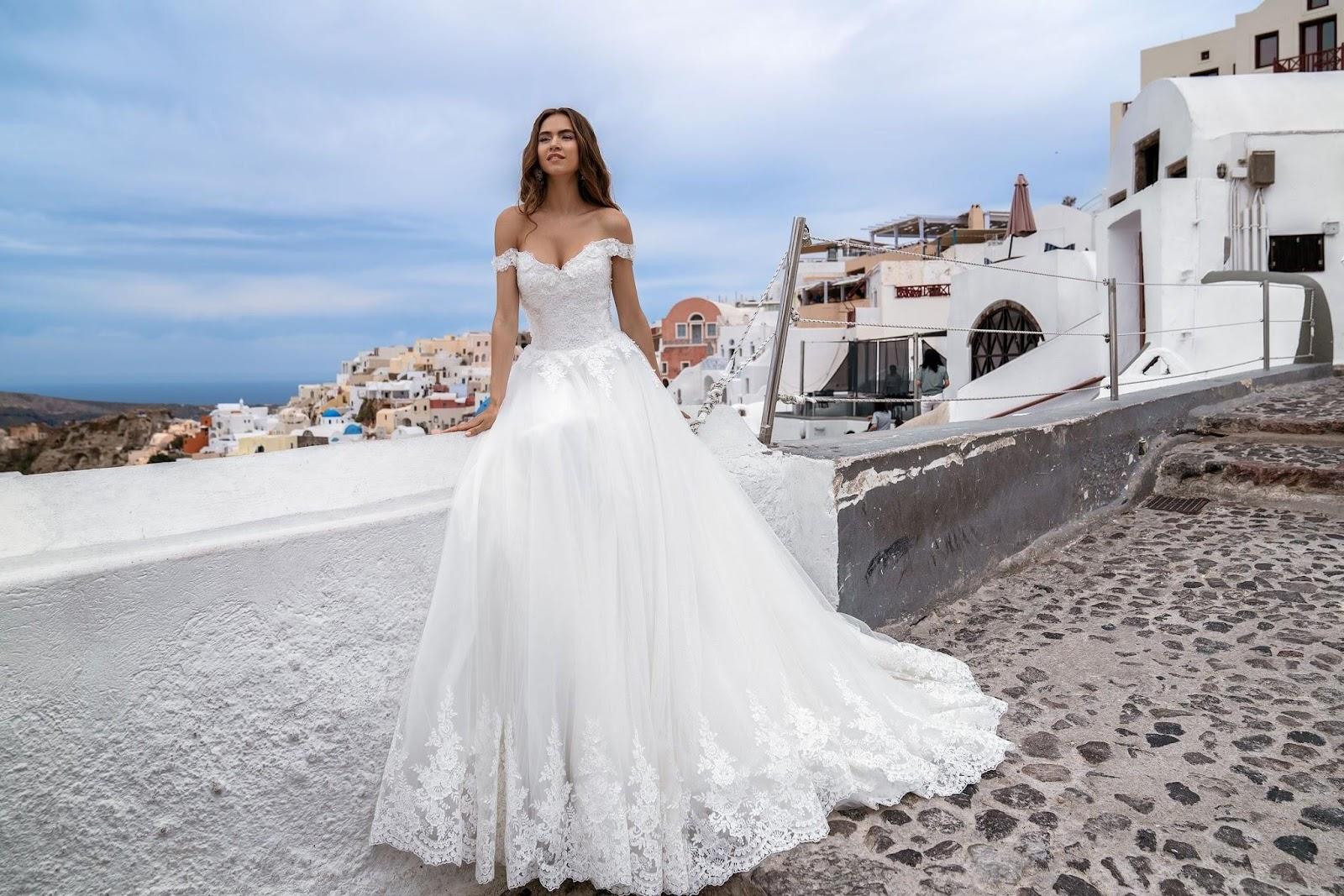 Модна весільна сукня 2020
