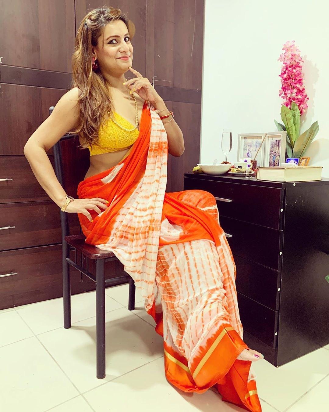 Stunning Shweta Das Saree photos Navel Queens