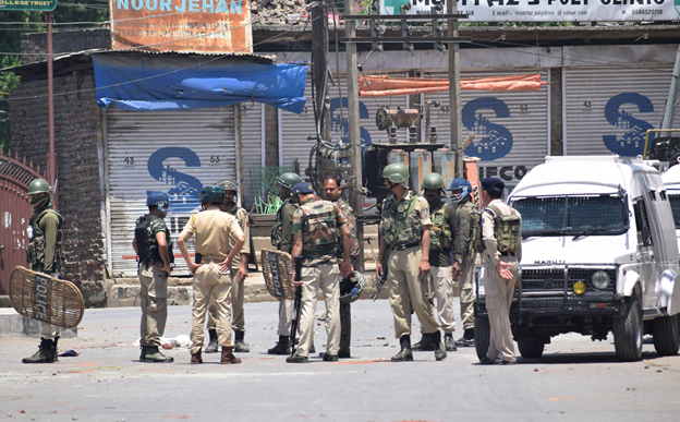 Curfew, curbs continue in IOK for second day today