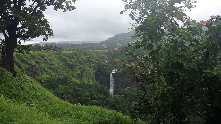 hotels near bhusi dam