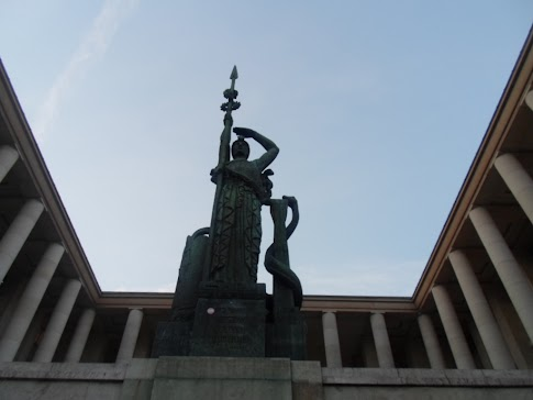 statue années 30