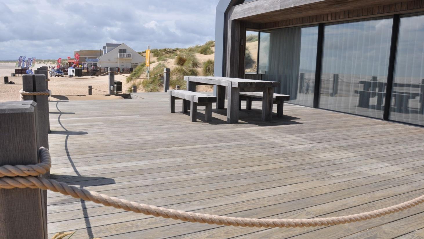 Flydende terrassedæk