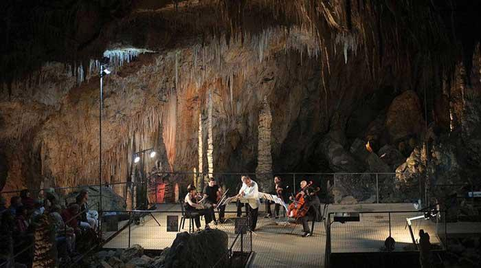 Concert-Pablo-Casals-Grottes-Canalettes (1).jpg