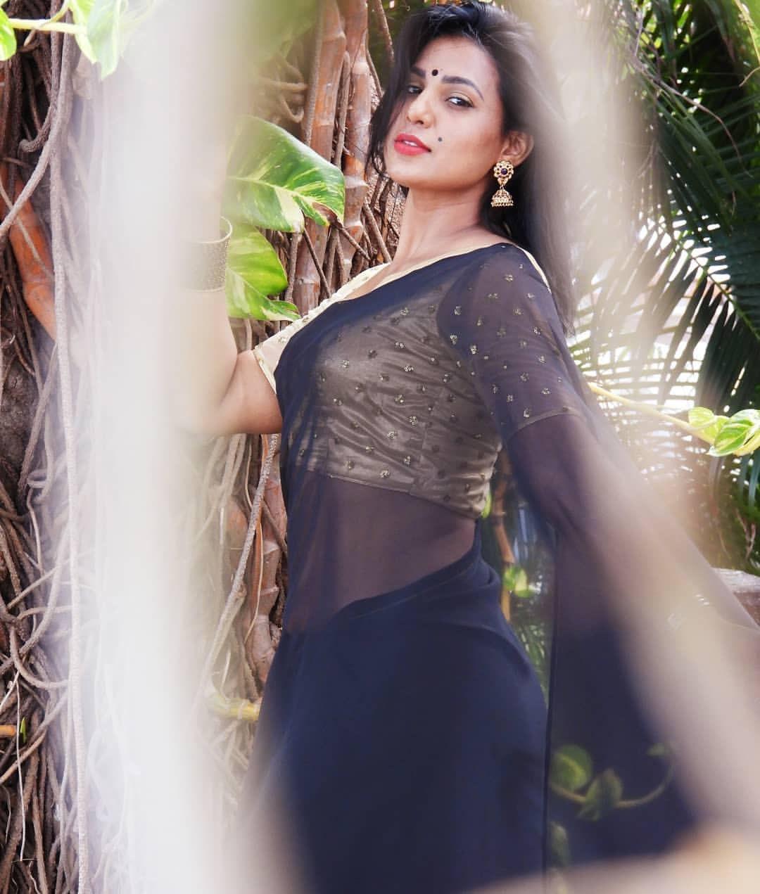 Shanaya Shannu hot latest transparent saree photos Navel Queens