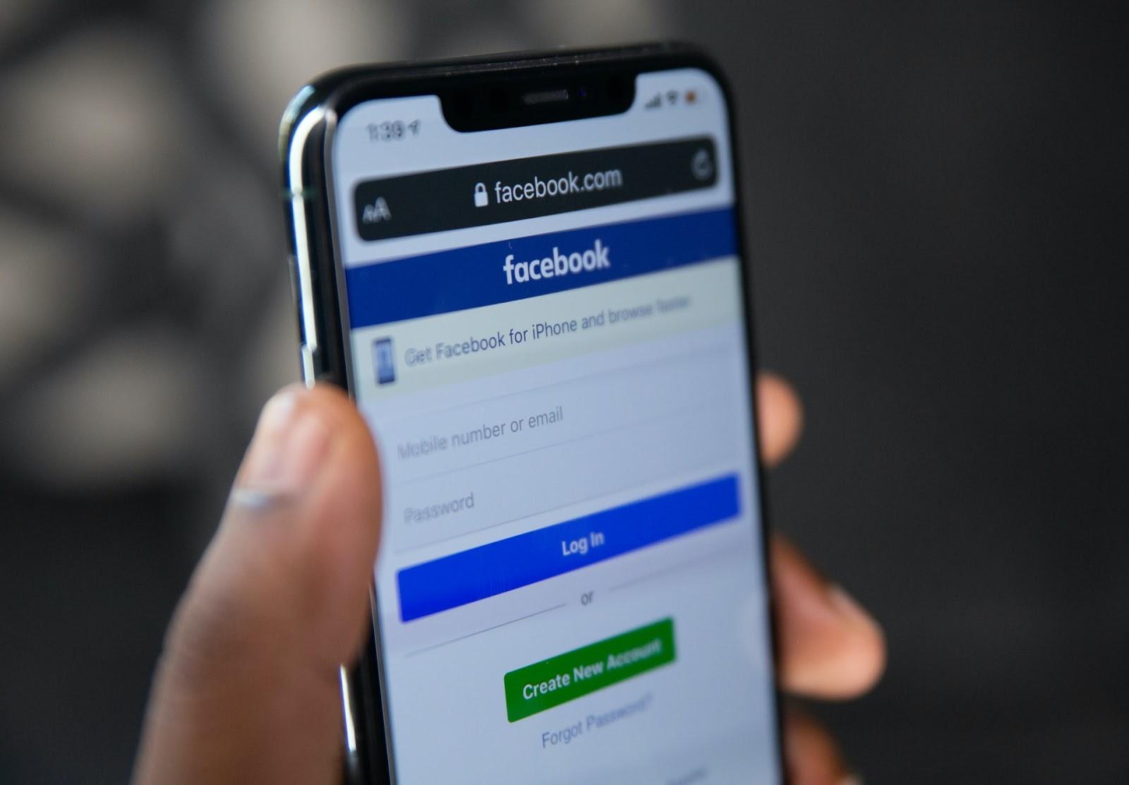 As maiores vantagens do Facebook Marketplace são que a ferramenta é gratuita e simples de usar. Nela, o lojista é responsável por toda a intermediação com o comprador (Foto: Unsplash)