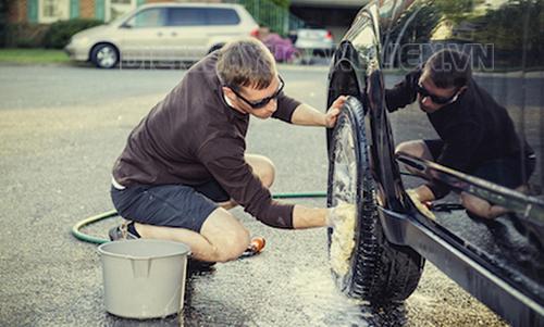 Kinh nghiệm rửa xe ô tô tại nhà