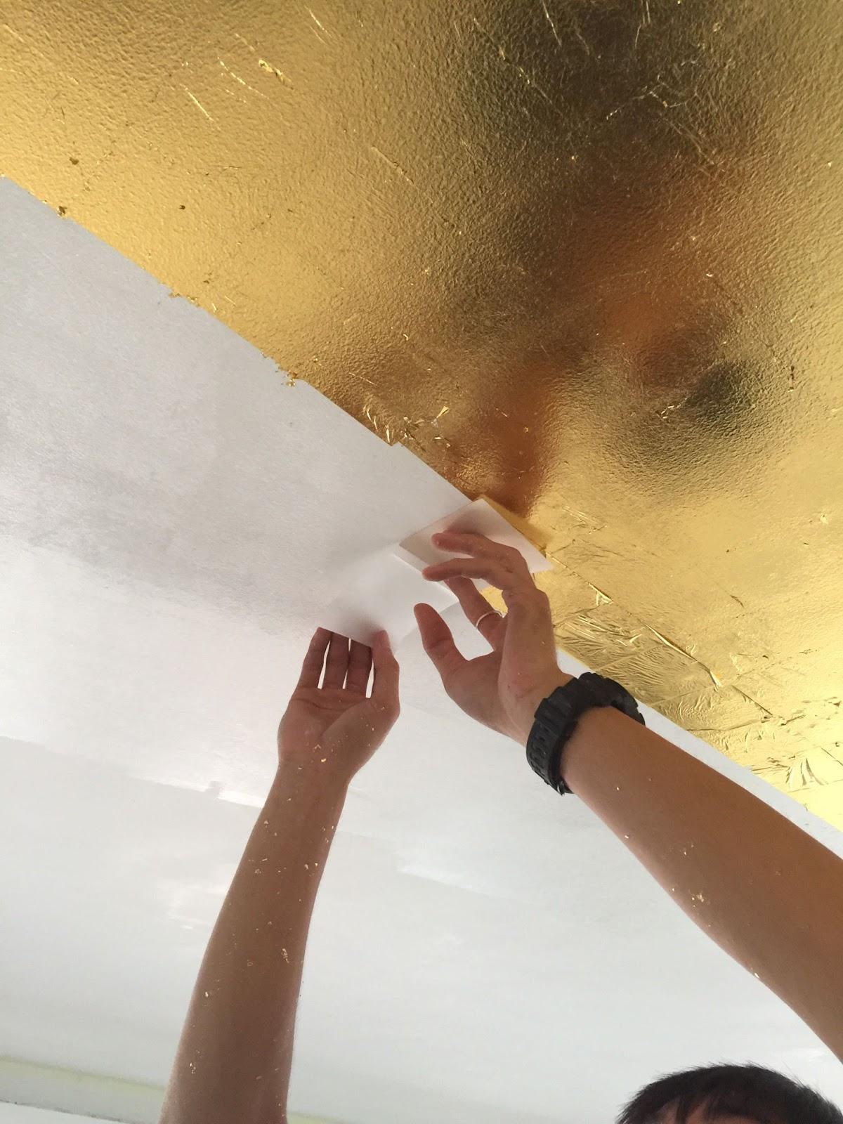 Sơn hiệu ứng Waldo - Dát vàng lá - Đôi bàn tay khéo léo của người thợ tạo nên kiệt tác nghệ thuật dát vàng lá sang trọng