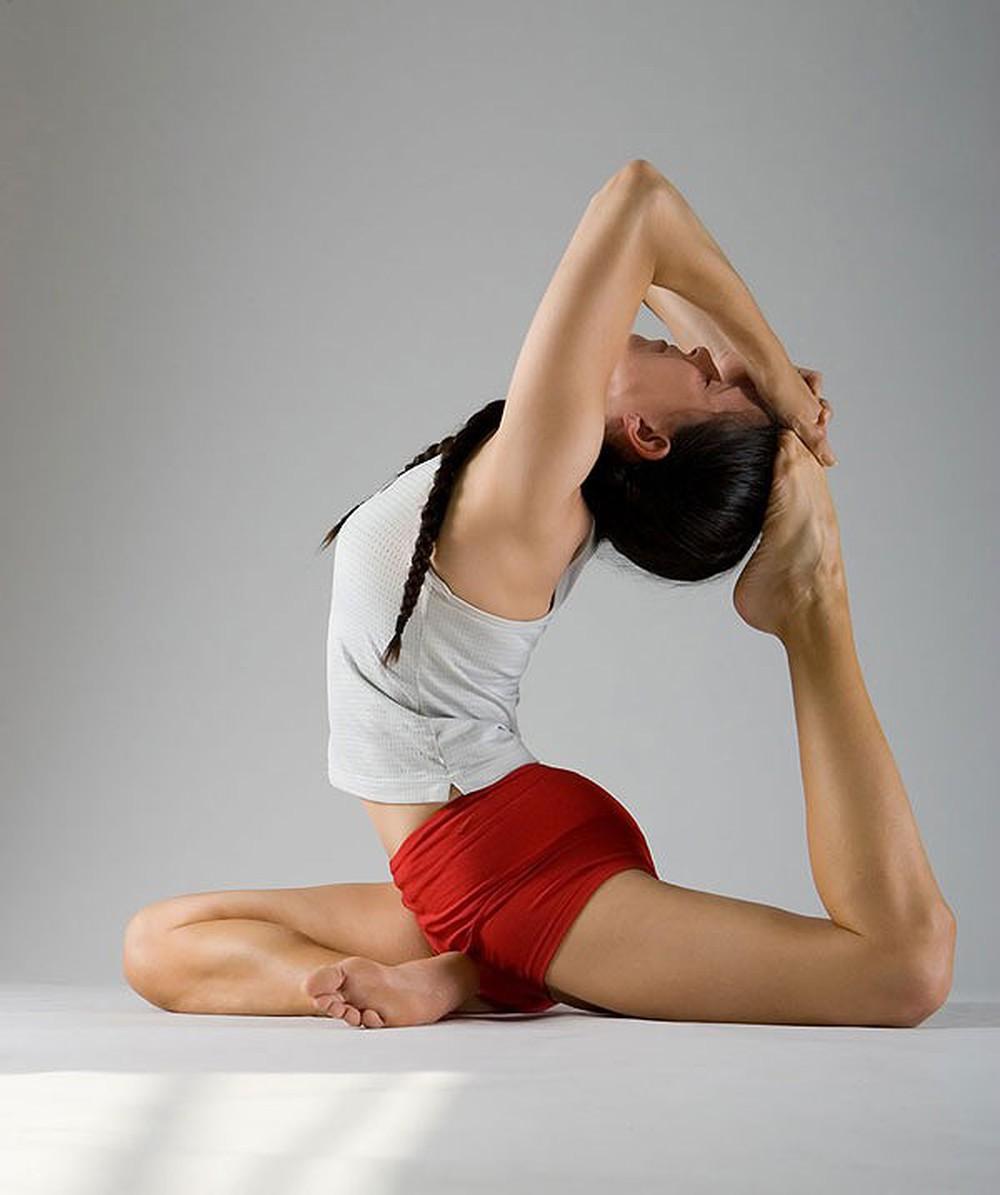 Tư thế yoga giúp đùi thon gọn
