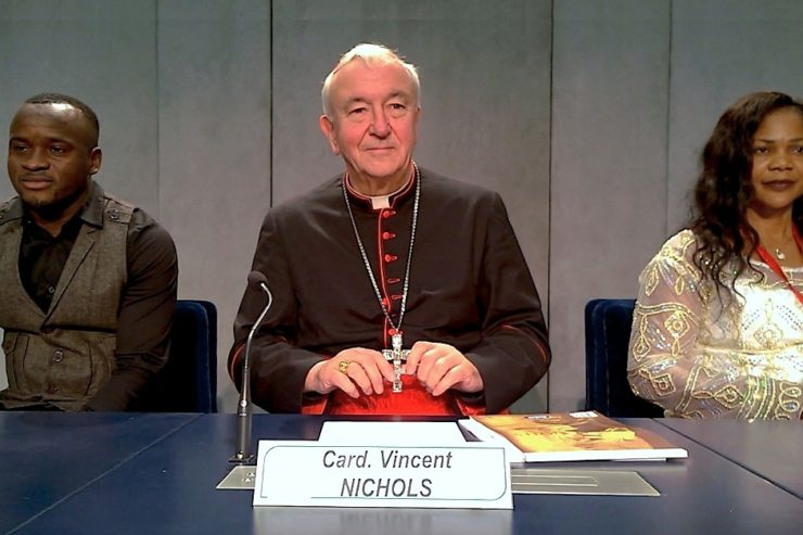 card-vicent-nichols-in-the-vatican-press-office-2026-10-27-zenit-cc