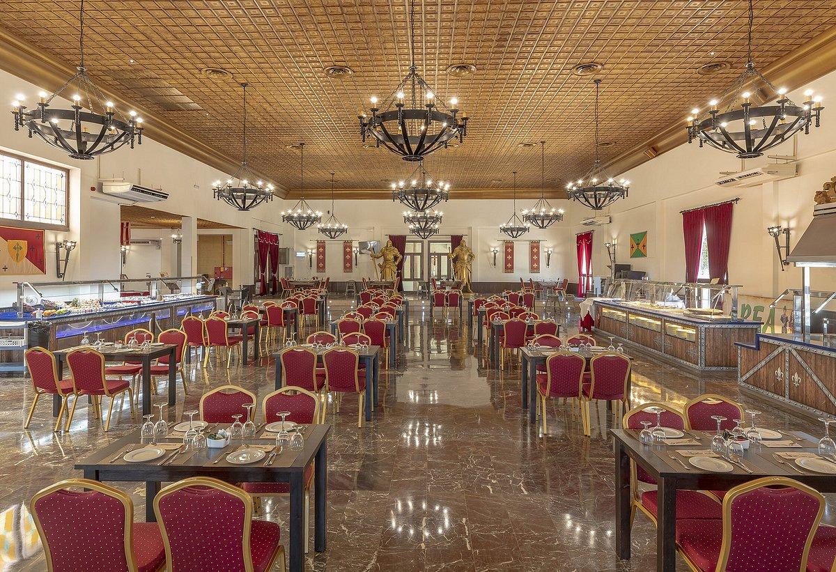 La ambientación de los restaurantes es una pasada ¡Vas a tener la sensación de estar dentro de una película! 📽🎞