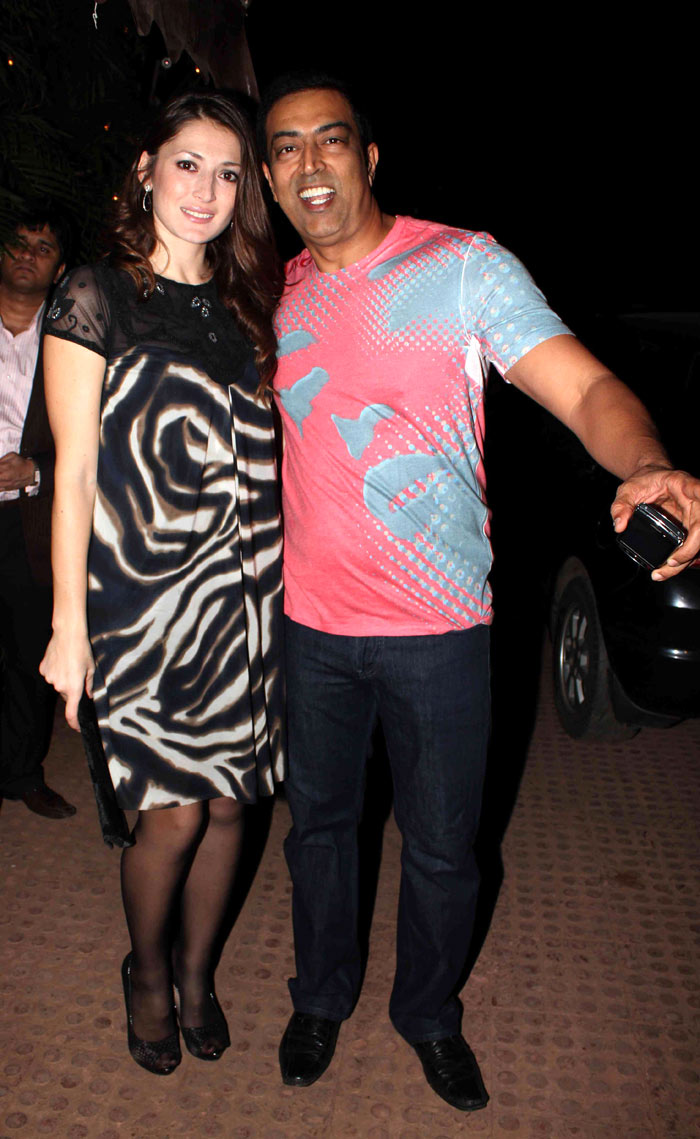 6. Vindu Dara Singh and Dina Umarova